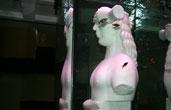 Аквариум колонна со статуей